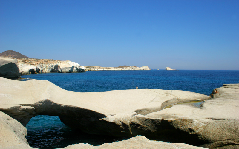 beaches-in-milos-sarakiniko_1